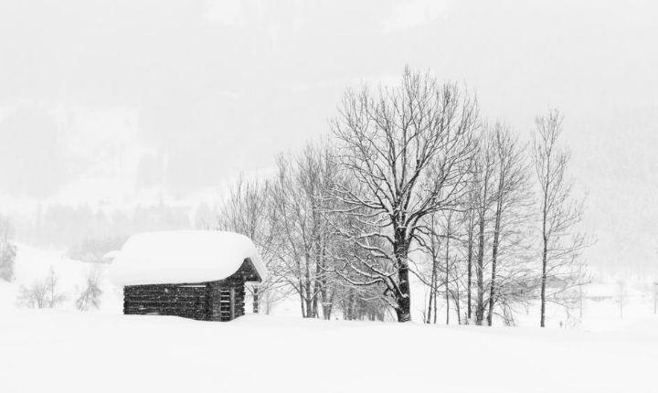 sova i vindskydd på vintern