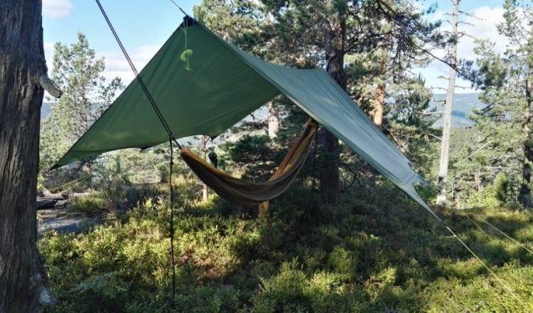 vindskydd för hängmatta